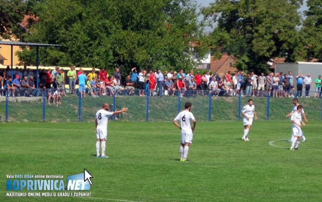 Brojna publika pratila je derbi u Đelekovcu // Foto: Koprivnica.net