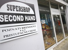 Superstore Second Hand na adresi J. Vargovića 4 (iznad Hollywooda)