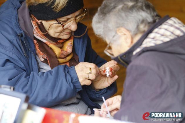 Božica Kadić i Katarina Majhen uživaju u kreativnom radu // Foto: Mario Kos