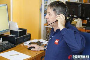 Djelatnik centra 112 prima hitni poziv // Foto: Matija Gudlin
