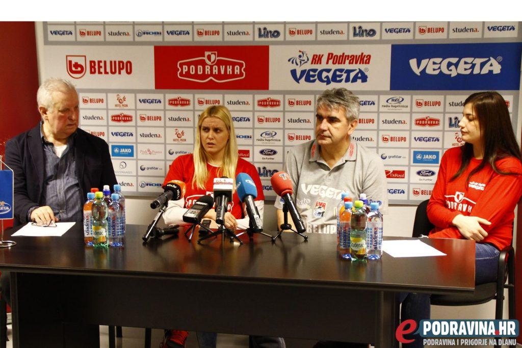 Glasnogovornik kluba Ivo Čičin-Mašansker, Dora Krsnik, trener Goran Mrđen i Selena Milošević // Foto: Zvonimir Markač