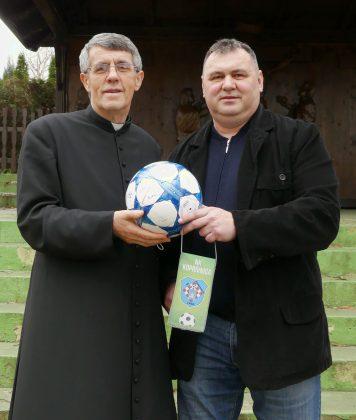 Močilski župnik mons. Leonard Markač i direktor Koprivnice Slavko Tucaković // Foto: NK Koprivnica