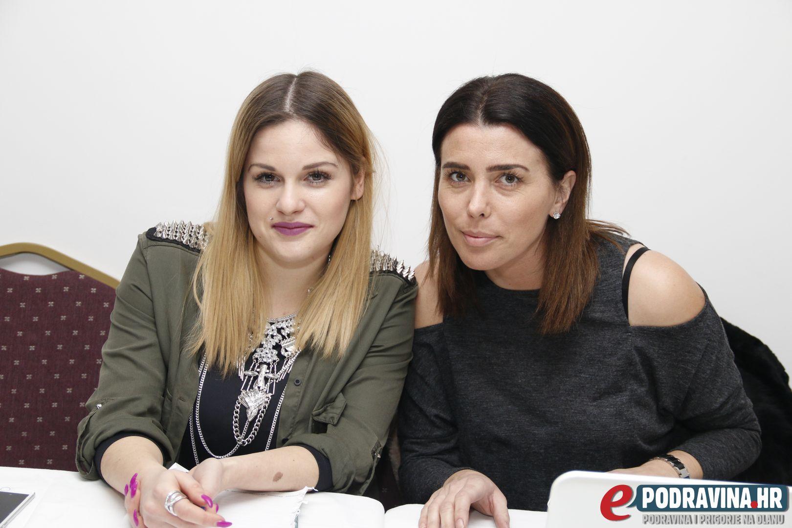 Iva Horvat i Iva Loparić Kontek // Foto: Matija Gudlin