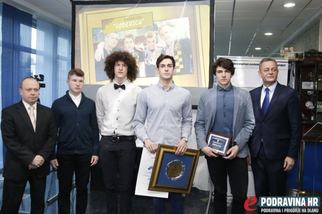 Članovi Ronilačkog kluba Šoderici na proglašenju najbolji županijskih sportaša // Foto: Matija Gudlin