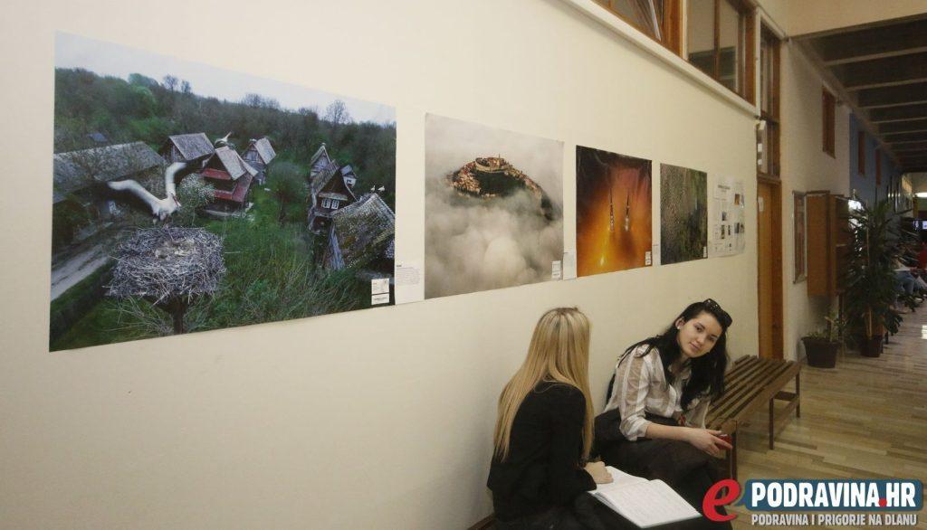 Izložba plakata 'Hrvatska iz zraka' // Foto: Matija Gudlin