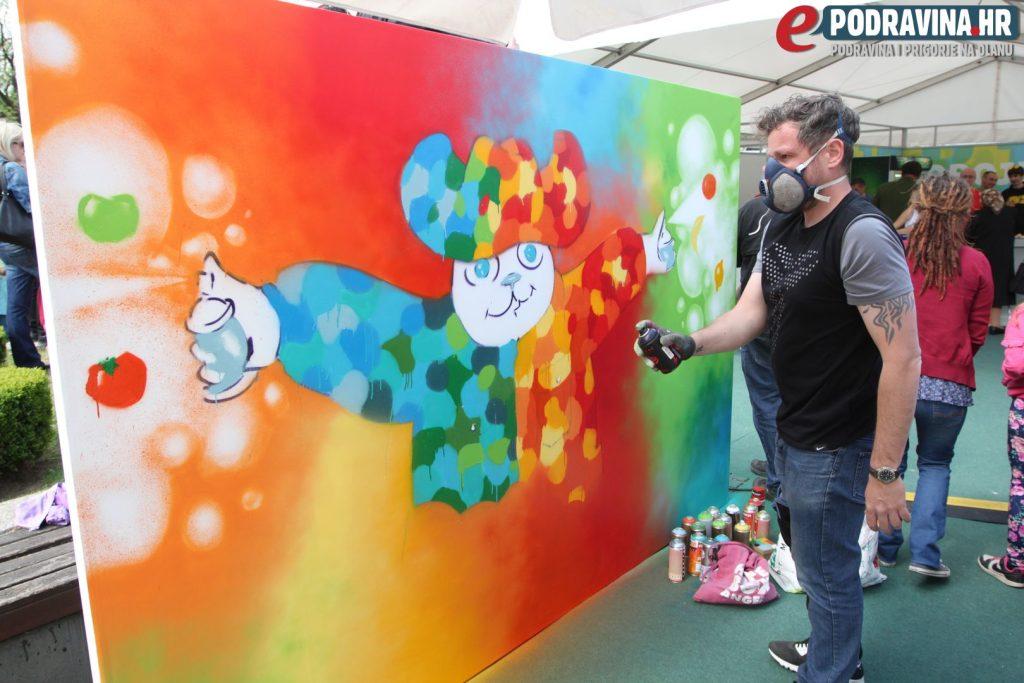 Poznati grafiter na velikom je platnu slikao zdravlje // Foto: Ivan Brkić