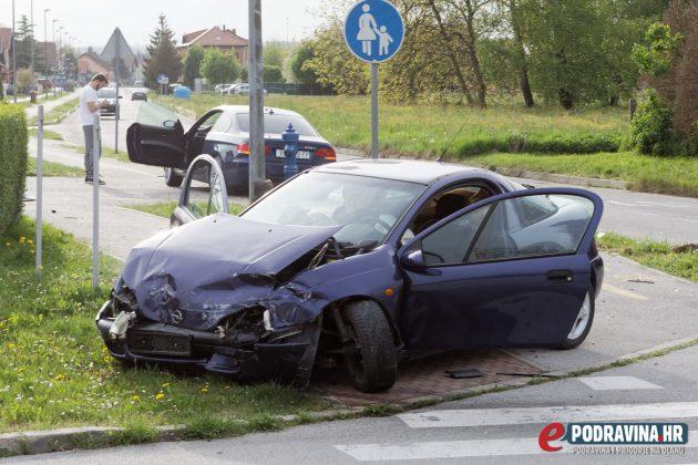 Prometna nesreća - križanje Miroslava Krleže i Ivana Sabolića Koprivnica // S mjesta nesreće // Snimio čitatelj