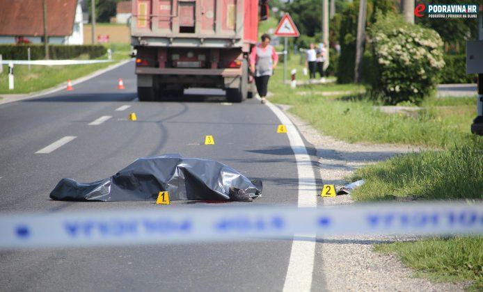 S mjesta nesreće - Izgubio život pod kotačem kamiona // Foto: Mario Kos