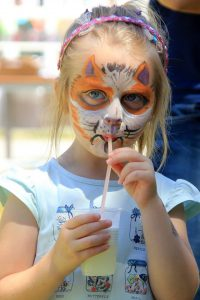 Oslikavanje lica i osvježenje uz limunadu najviše je razveselilo najmlađe // Foto: Tina Antolić