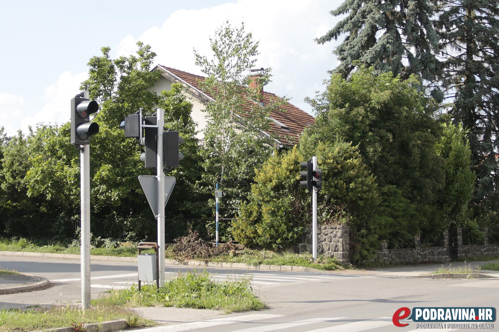 FOTO Zapušteno dvorište u centru grada krije scene iz horor filmova - ePodrav...