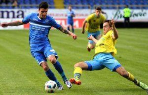 Aleksandar Jovičić (žuti dres) // Foto: prijedor24.com
