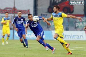 Mirko Ivanovski (plavi) protiv Intera // Foto: Ivan Brkić