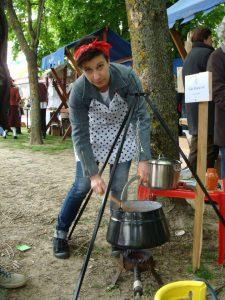 Kuhanje fiša koji je bio perkelt // Foto: Dominik Kobaš