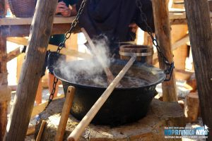 Kuhanje piva u kotlu // Foto: Matija Gudlin