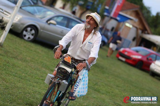 Miklinovec - Mladost Koprivnički Bregi // Igralište u Miklinovcu // Foto: Mario Kos