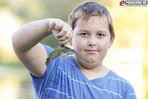 Mladi Ivan Đelekovčan sa svojim ulovom // Foto: Matija Gudlin