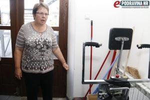 Dizalo za osobe s invaliditetom koje nije u funkciji // Foto: Matija Gudlin
