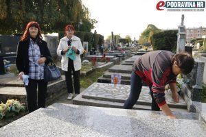 Danas se grobovi lakše održavaju nego nekad // Foto: Matija Gudlin