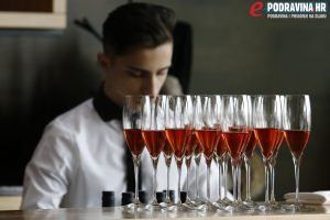 Uz sljubljivanje s pet vrsta vina, vidjeli smo kako bi kušanje i obrok trebali funkcionirati // Foto: Matija Gudlin