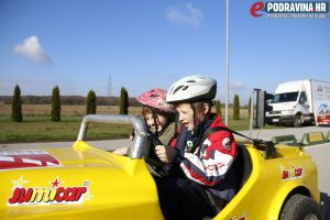 Školarce je posebno oduševila vožnja u automobilu // Foto: Matija Gudlin