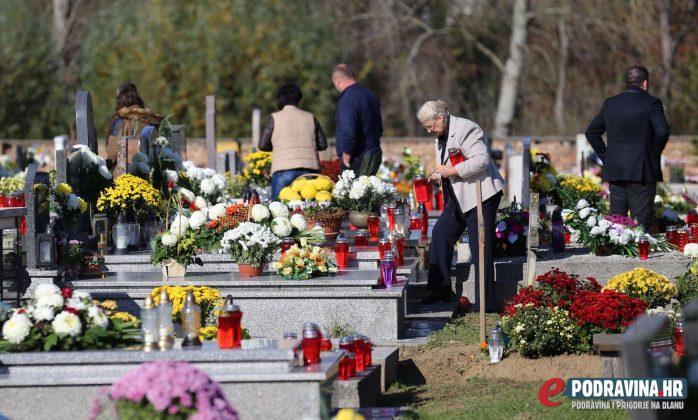 Sesvete - Blagdan Svih Svetih - Groblje Peteranec Drnje