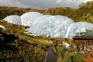 Eden Project - tropski i mediteranski biom s okolnim vrtovima // Foto: RUL