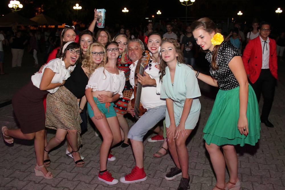 Fotografije s djevojkama