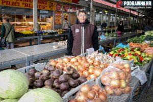 Finka Lovrić, prodavačica povrća na koprivničkom placu // Foto: Matija Gudlin