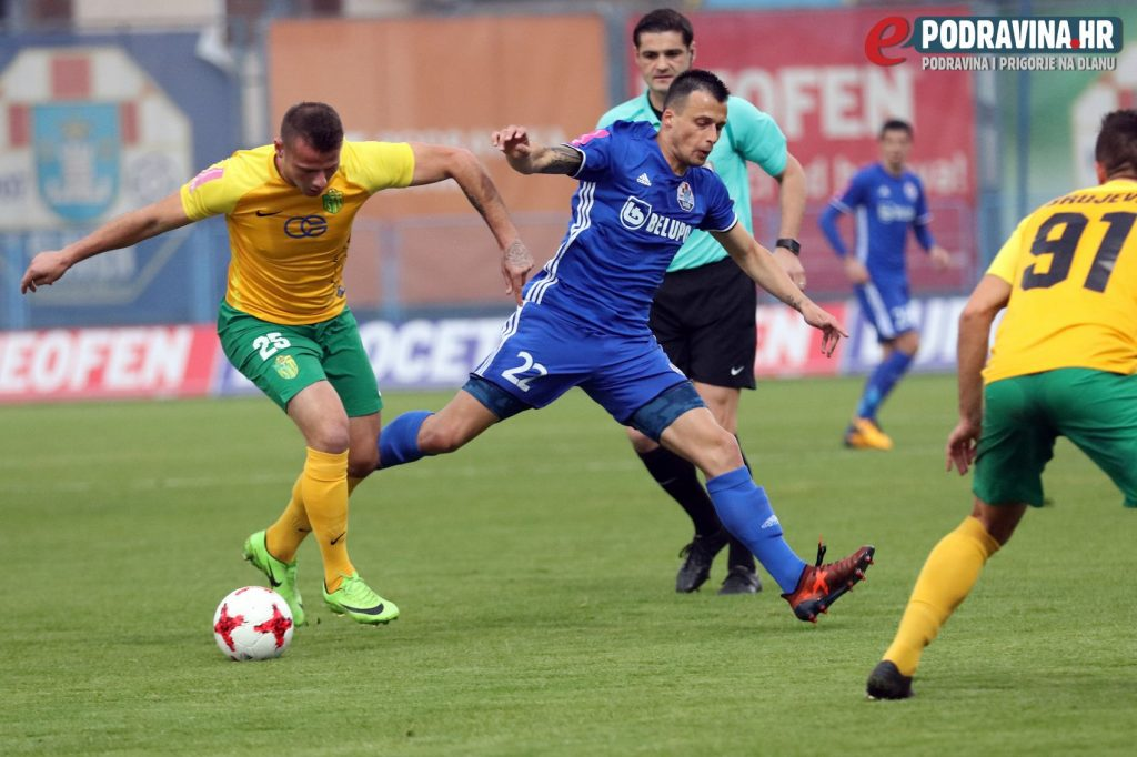 Mirko Ivanovski (M) in action against Istra; photo: Ivan Brkić