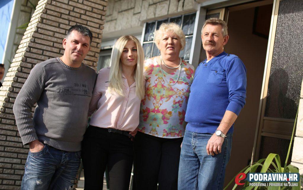Obitelj Turković - Povratak iz Belgije