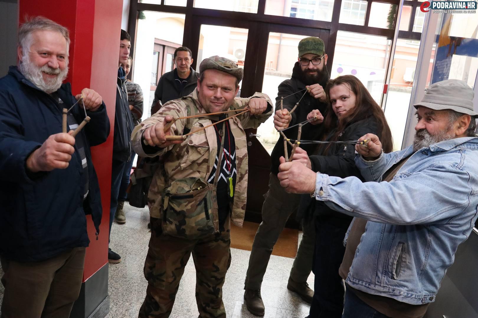 Opstanak: Preživjeti Dravu // Foto: Matija Gudlin