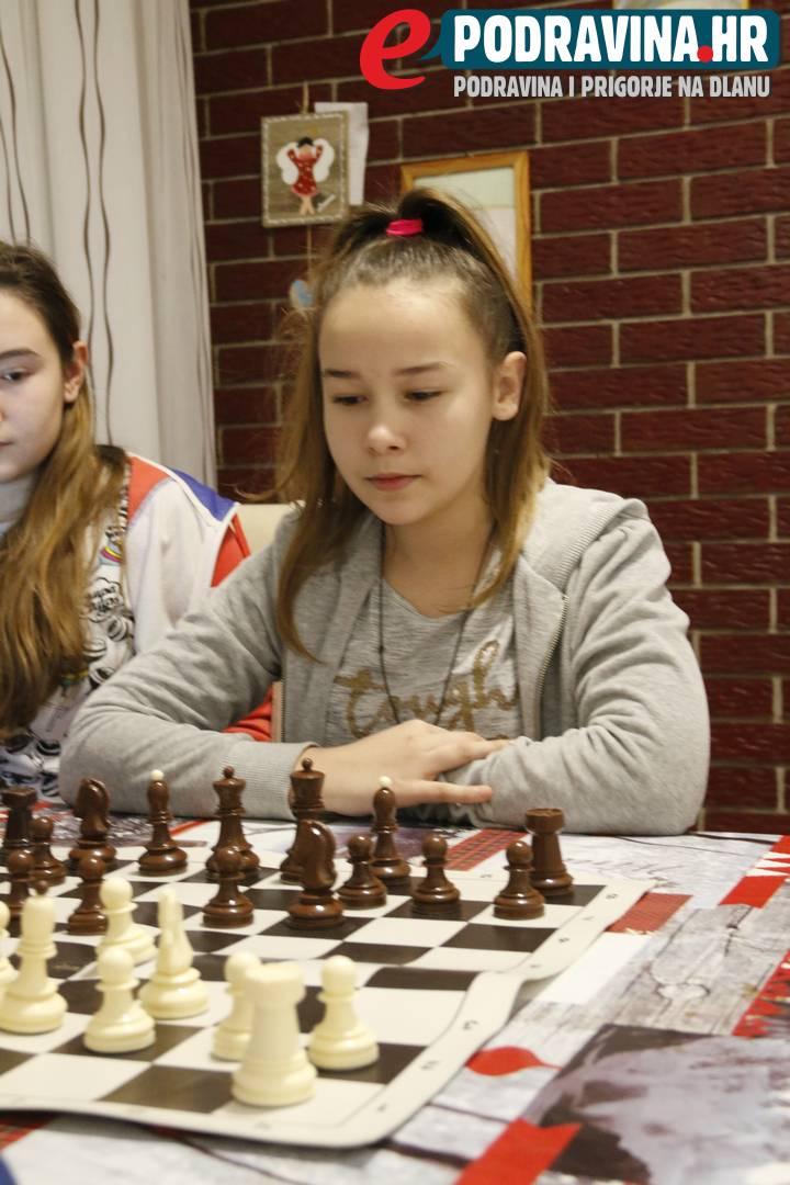 upoznavanje sa šahom problemi s povezivanjem granica 2