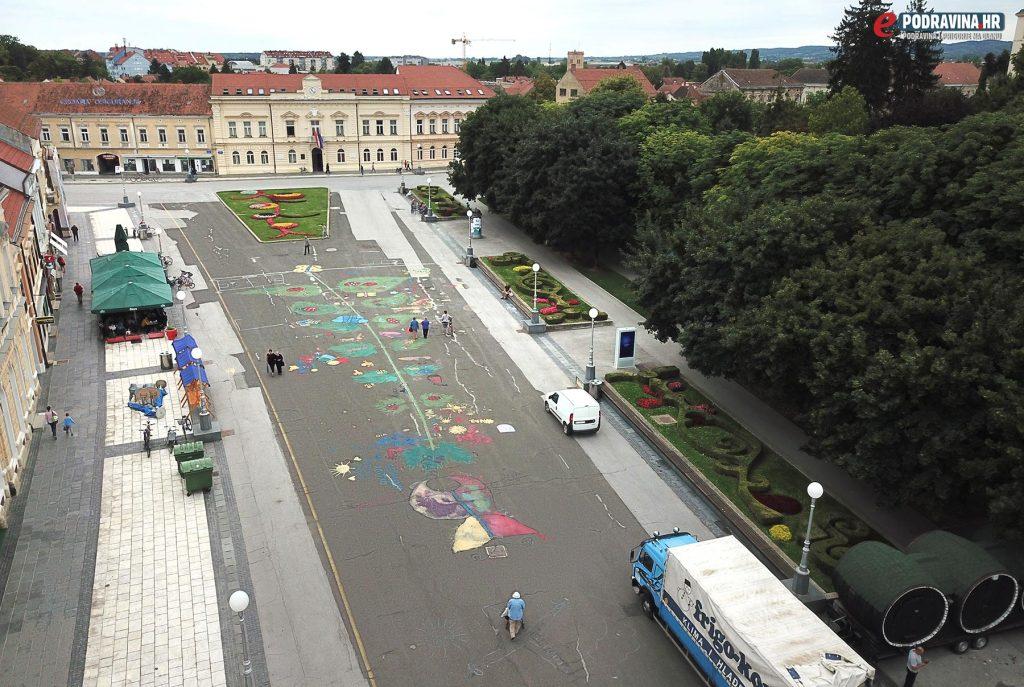 Veliki crtež koprive - Koprivnica - Zrinski trg