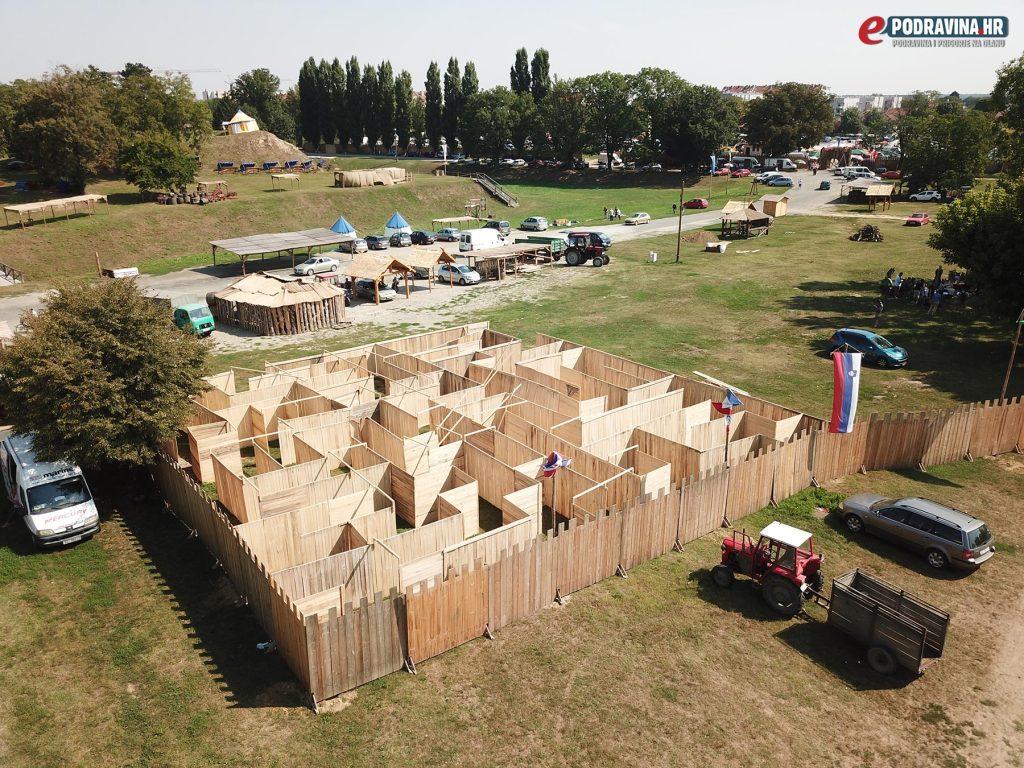 Renesansni festival - labirint iz zraka