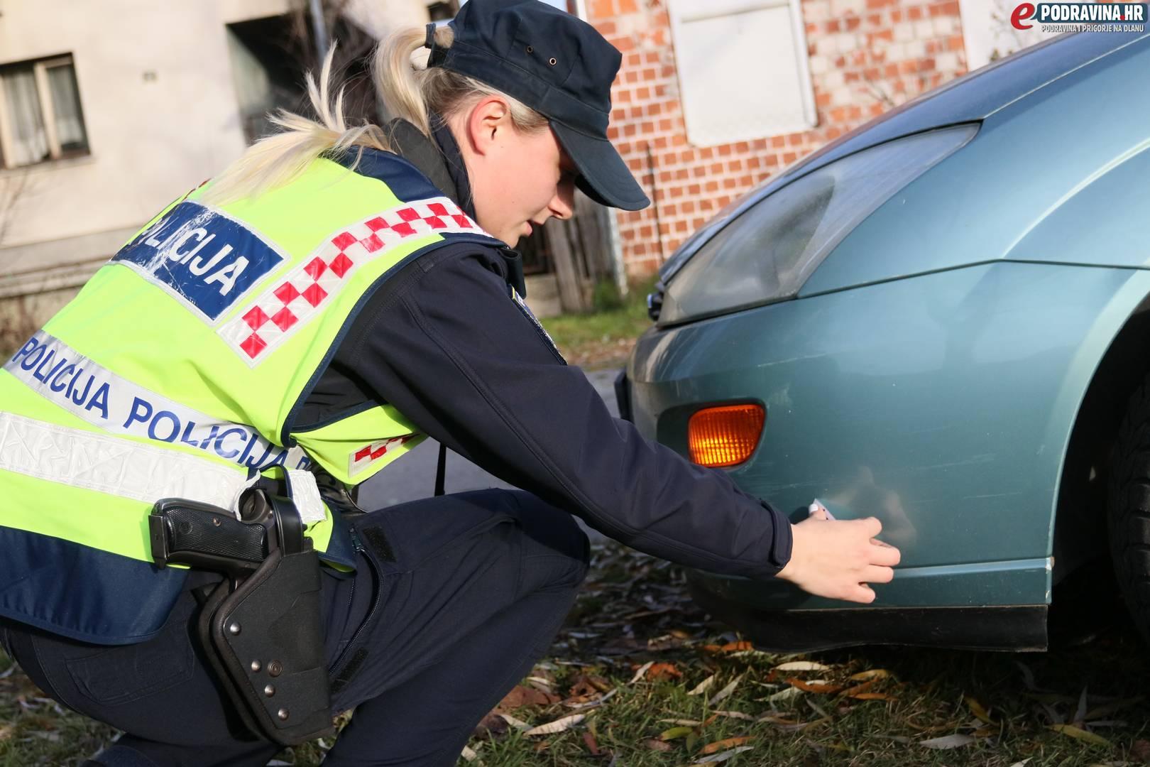 Policajci izlazi s dispečerima