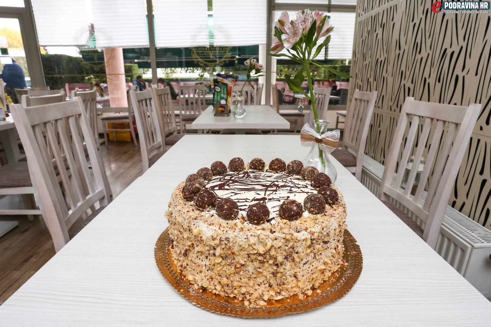 Poklon torta slastičarnice Zagorje // Foto: Matija Gudlin