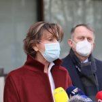 Martina Dalić ispred sedmerokatnice Podravke // Foto: Ivan Balija
