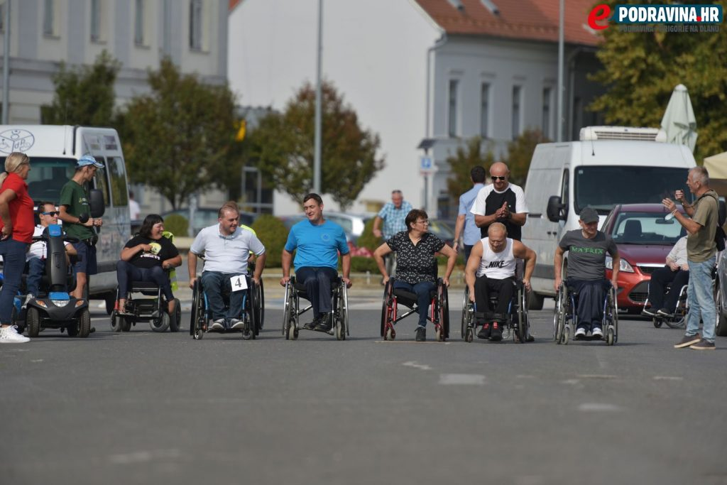 Utrka u kolicima